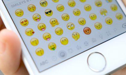 Një prezantim në botën hutuese të Emoji-ve